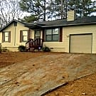 3 bedroom Home with Fireplace in Lithonia! - Lithonia, GA 30038