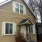 CHARMING 2 Bed/1.5 Bath Duplex on Broadway close t - Boise, ID 83706