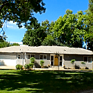 Old Fig Garden Beautiful 3 Bedroom Santa Ana  Glen - Fresno, CA 93704