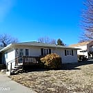 5 br, 2.5 bath House - 2029 Shirley - Manhattan, KS 66502