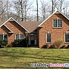 Spacious Custom Home 20 Minutes from Ft. Campbell - Clarksville, TN 37040