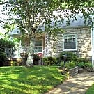 LARGE 4 BEDROOM HOUSE OFF SOUTHERN PKWAY S of 264 - Louisville, KY 40214