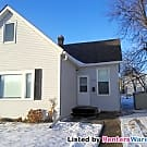 Fabulous 2 bed plus den, Fenced Yard! Available... - Saint Paul, MN 55106