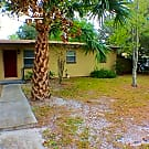 ***RENT SPECIAL! FREE RENT!*** 344 Wildwood Ln - Orange Park, FL 32073