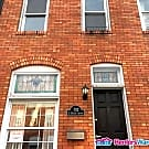 Renovated 3bed/3bath townhome in Canton, with... - Baltimore, MD 21224