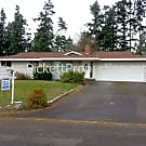 Lots of Space in 3 Bed Port Orchard Home - Port Orchard, WA 98366