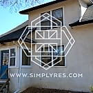 4BR/2BA near U of M campus! (available 9/1) - Minneapolis, MN 55414