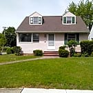 3990 Jo Ann Dr - Cleveland, OH 44122