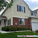 3 BR 1.5 Bath End Unit / Gas Fireplace / Great... - Inver Grove Heights, MN 55076