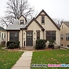 Classic 2 Bedroom Duplex - Minneapolis, MN 55417