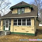Large 2 bedroom plus den/office with oversized... - Saint Paul, MN 55106