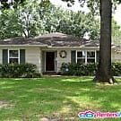 Well Maintained Home with Inviting Floor Plan - Houston, TX 77027