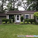 Charming 3 Bdrm 2 Bath Furnished Home in Fontana - Fontana, WI 53125