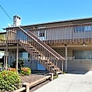 Two Homes in One! Large Kent Home with Lots of Gre - Kent, WA 98031