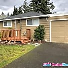 Cute 2 bed Bungalow with VIEWS - Everett, WA 98203