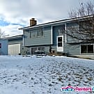 4 BR 2 Bath Home with large Yard / Small Pets /... - Eagan, MN 55123