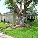 Lovely 3/2 Duplex on Corner Lot! - Dallas, TX 75237