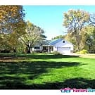 2 Acres and Lakefront 4 BR in Center City $1800 - Center City, MN 55012