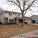 Beautiful 3 Bed, 2.5 Bath Urbandale Home - Urbandale, IA 50322