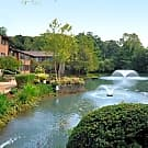 Willow Lake Luxury Apartments - Smithtown, New York 11787