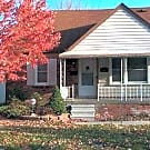 3 BR, 1.5 BA Brick bungalow in Harper Woods - Harper Woods, MI 48225