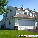 Very Nice 2BD/2BA End Unit TH In Blaine!!! - Blaine, MN 55434