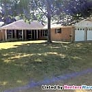 Reside in the Ever Popular Oak Forest Subdivision! - Houston, TX 77018
