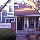 Townhome -- walk to light rail and shopping - Littleton, CO 80120