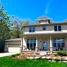 Beautiful 5 bed house available 8/1 - Middleton, WI 53562