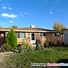 Lovely 4 Bed- 2 Bath Ranch Home in Arvada - Arvada, CO 80004