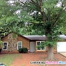 Cozy 3 bedroom Ranch w/ 1 car garage in Stone... - Stone Mountain, GA 30083