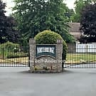 Puyallup Townhouse in Gated Community Available! - Puyallup, WA 98372