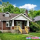 2 Bed East Nashville Bungalow w/ Fenced Yard! - Nashville, TN 37216