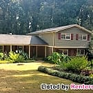 Beautiful 4 Bedroom/3 Bath Home in Stone Mountain! - Stone Mountain, GA 30087