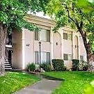 Clovis Courtyard Apartments - Clovis, CA 93612