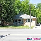 Cozy Duplex on MLK Parkway - 2 Bed, 1 Bath - Des Moines, IA 50314