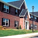 Turnberry Square Apartments - Bloomington, Illinois 61701