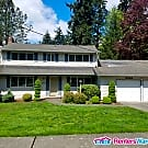 Charming Bellevue Home Fully Fenced Yard - Bellevue, WA 98007