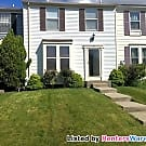 Lovely Carney 2BR 2+BA Townhome with Fireplace - Baltimore, MD 21234