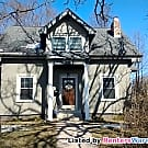 Renovated 3 bedroom home! Concordia Macalester... - Saint Paul, MN 55104