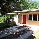 Great 3/1.5 in Michigan Heights! - Gainesville, FL 32609