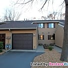 Beautiful Townhome in Circle Pines - Circle Pines, MN 55014
