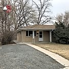 Nice 3 bedroom/2 bath duplex in Central Lakewood! - Lakewood, CO 80226