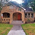 Sensational 1 story home in Downtown Houston! - Houston, TX 77023