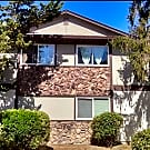 Large downstairs apartment in four-plex in West Sa - Santa Rosa, CA 95403