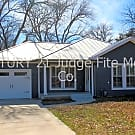 Adorable 1/1/1 With Study And Screened-In Patio In - Justin, TX 76247