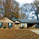 Lovely Home in park like setting!! - Memphis, TN 38128