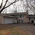 5 bedroom Multi level home! - Brooklyn Park, MN 55444