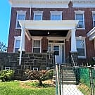 Spacious End Unit 4 bedroom Townhome - Baltimore, MD 21229