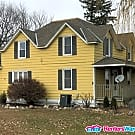 Nicely updated 5BD with New carpet and paint - Winsted, MN 55395